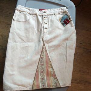 🤩Gloria Vanderbilt skirt